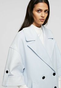 KARL LAGERFELD - Classic coat - artic ice - 4
