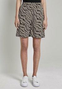 TOM TAILOR - Shorts - black wavy design - 0