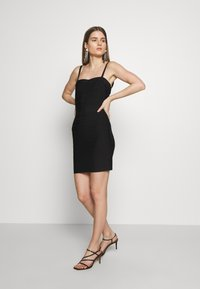 Hervé Léger - CONVERTIBLE STRAP ICON - Shift dress - black - 0