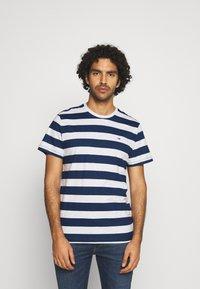 Tommy Jeans - HEATHER STRIPE TEE - Print T-shirt - twilight navy - 0