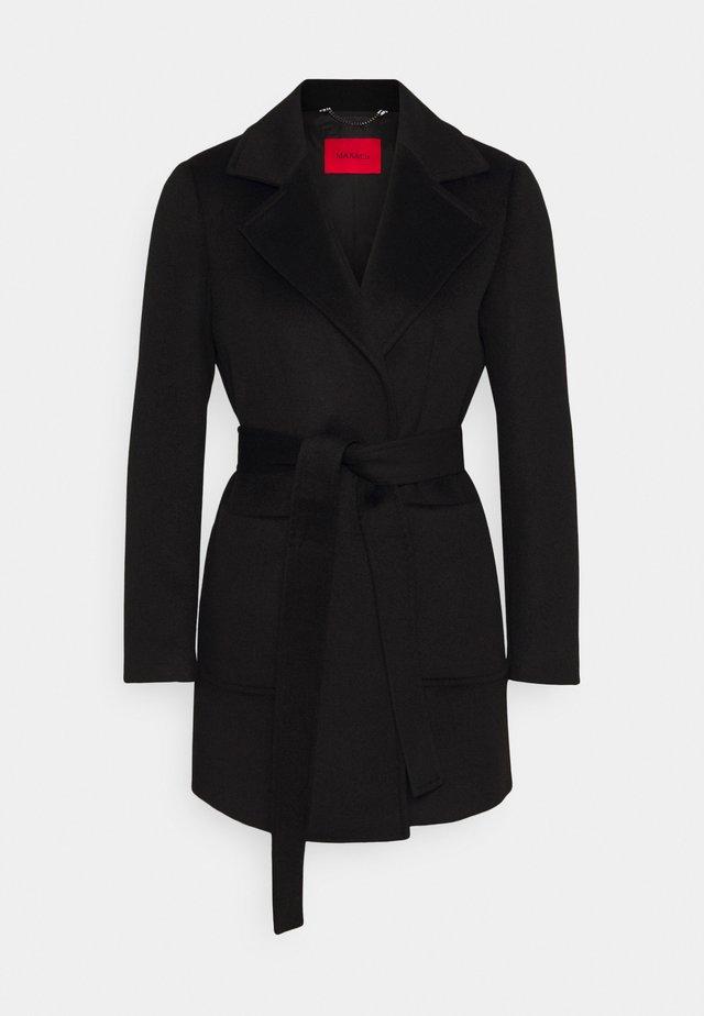 SHORTRUN - Zimní kabát - black