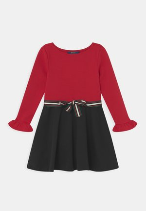 DAY DRESS - Jerseykleid - madison red