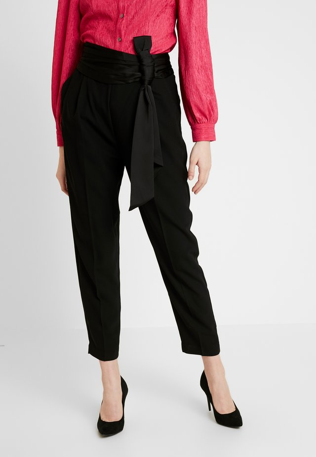 WILLOW BOW FRONT PANTS - Kalhoty - black