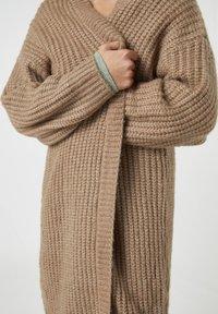 PULL&BEAR - Cardigan - mottled brown - 4