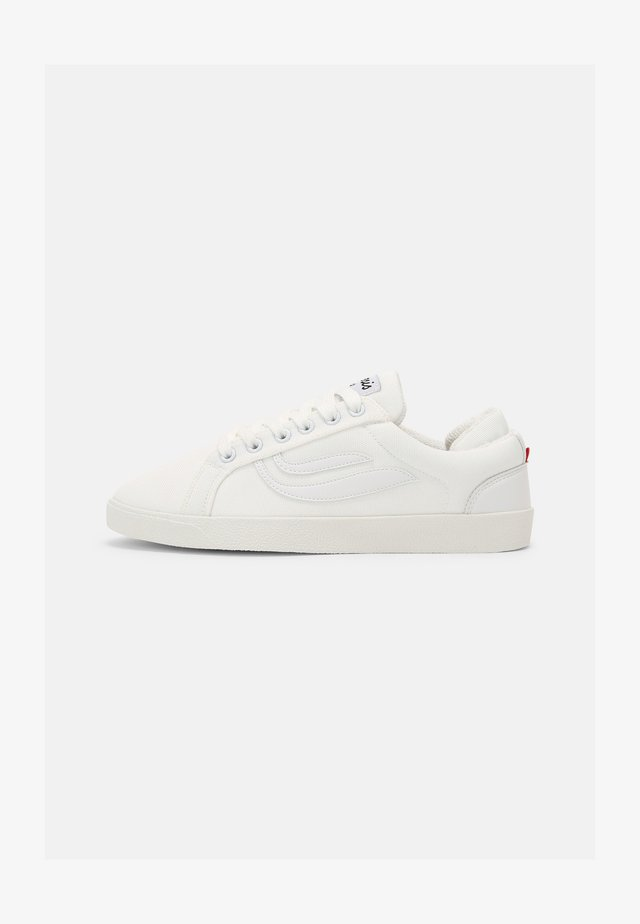 G-HELÁ UNISEX - Trainers - white