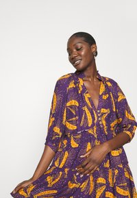 Farm Rio - BOROGODO BANANAS DRESS - Shirt dress - purple/yellow - 3