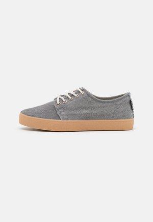 HIGBY VEGAN UNISEX - Sneakers basse - grey