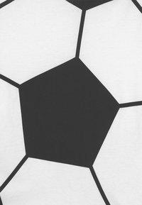 OVS - SET - Print T-shirt - brilliant white - 3