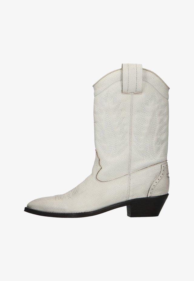 MIT STICK-DETAILS - Cowboy/biker ankle boot - weiß