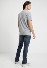 Volcom - VORTA - Straight leg jeans - dry vintage - 2