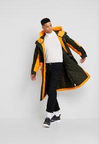 Nike Sportswear - FILL MIX - Übergangsjacke - kumquat/sequoia - 1