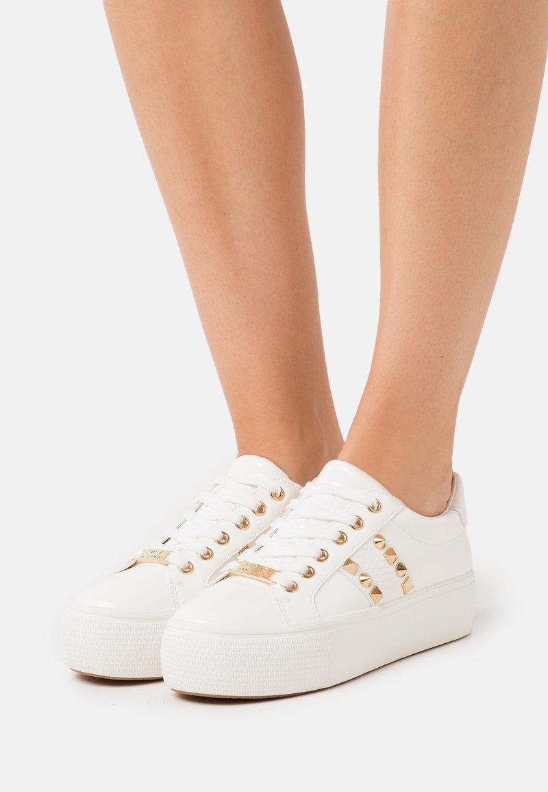 Steve Madden - ESCALA - Sneakers laag - white
