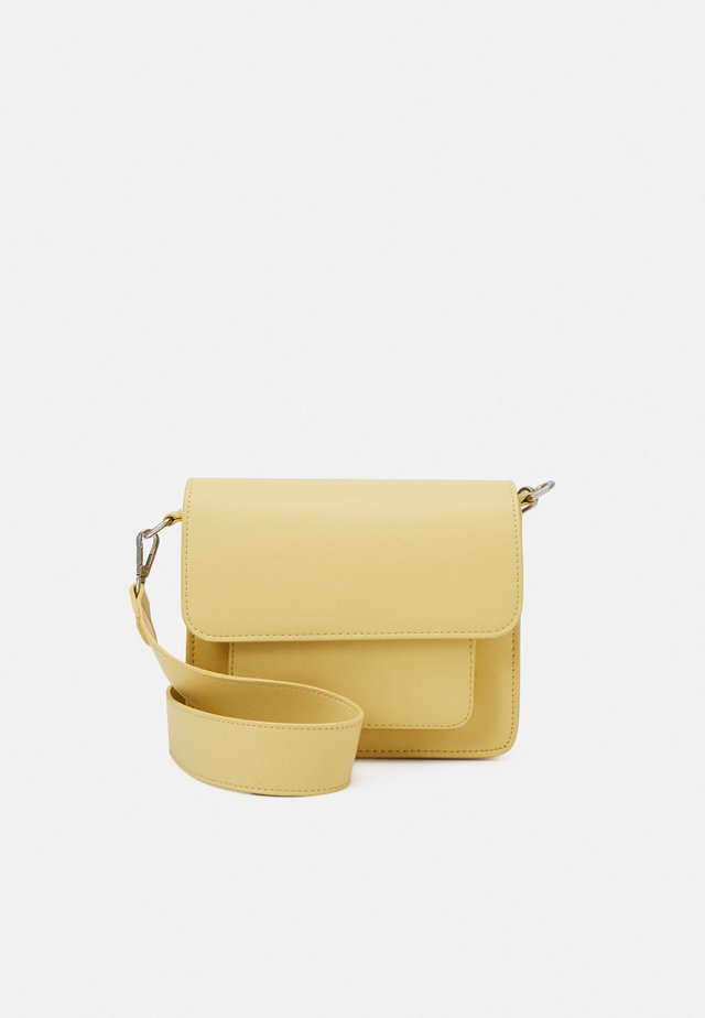 CAYMAN POCKET RESPONSIBLE - Schoudertas - pastel yellow
