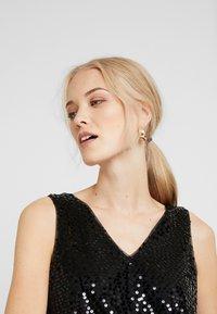 Vero Moda Tall - VMDAISY - Blouse - black/sequins - 3