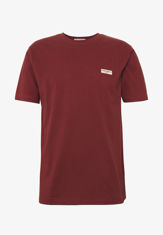 DANIEL - T-shirt basique - brick red