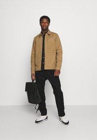 Selected Homme - SLHMORRIS JACKET - Summer jacket - otter - 1