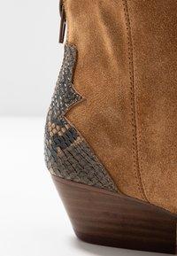 Bianco - BIADAYA WESTERN BOOT - Botki kowbojki i motocyklowe - light brown - 2
