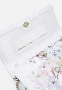 Ted Baker - VIVVIAN - Across body bag - ivory - 3
