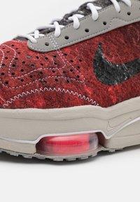 Nike Sportswear - AIR ZOOM TYPE M2Z2 UNISEX - Trainers - bright crimson/white - 7