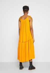 Leon & Harper - RAIA PLAIN - Maxi dress - curry - 2