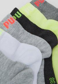 Puma - QUARTER PLAIN 6 PACK UNISEX - Sports socks - white - 1
