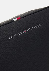 Tommy Hilfiger - ESSENTIAL WASHBAG - Neceser - black