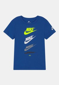 Nike Sportswear - CASCADING FUTURA AIR TEE - Camiseta estampada - game royal - 0