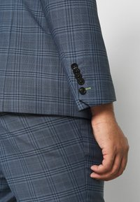 Twisted Tailor - SOTHERBY SUIT PLUS - Completo - blue - 8