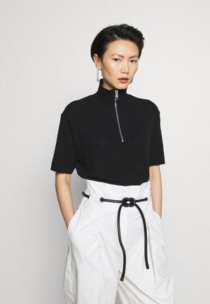 TERRIE - T-shirts med print - black