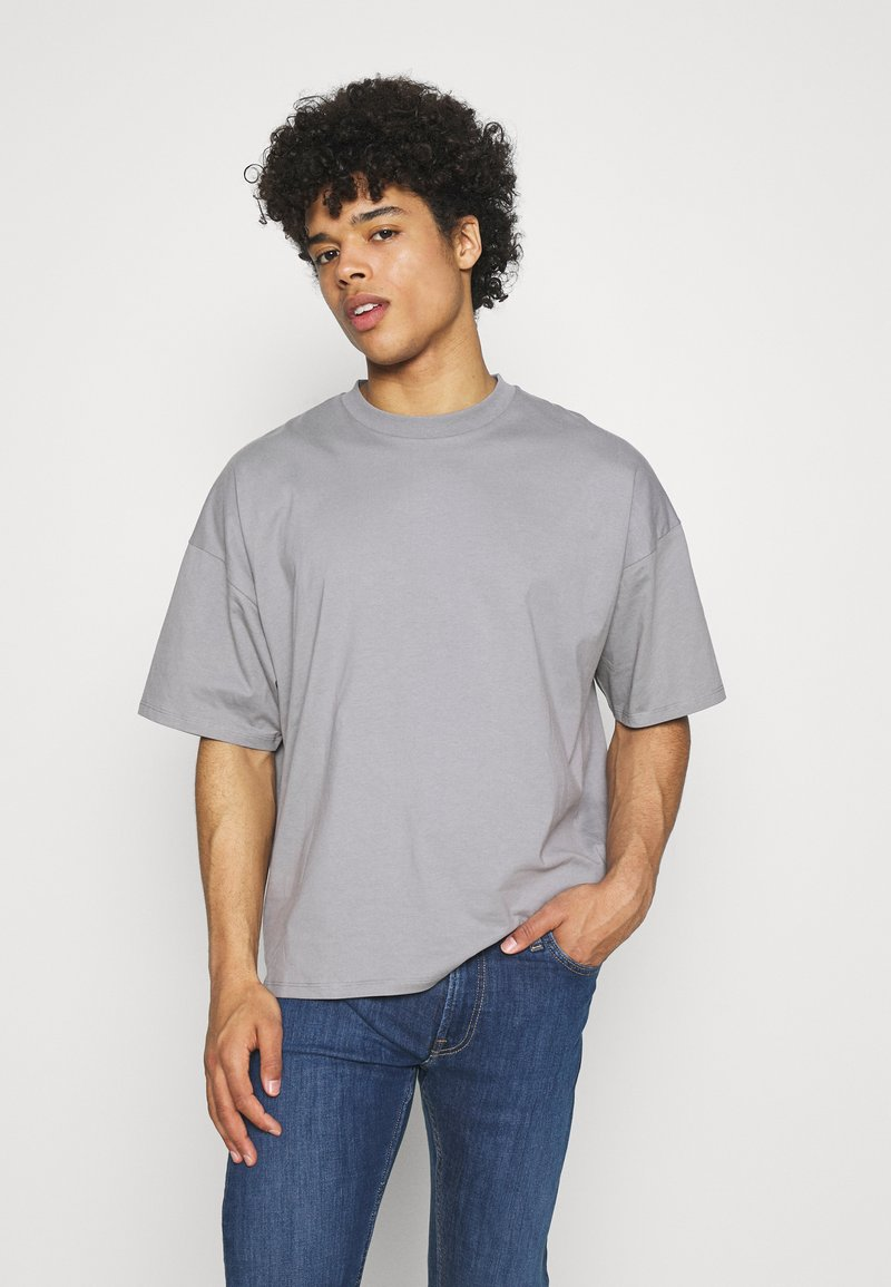 NU-IN - NU-IN X AZIZ LERN BOXY OVERSIZED  - T-shirt basic - grey