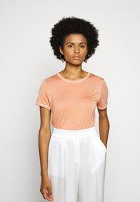 Bruuns Bazaar - KATKA ALICIA TEE - T-shirt basique - coral - 0
