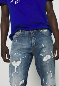 Just Cavalli - PANTS 5 POCKETS - Slim fit jeans - blue denim - 6