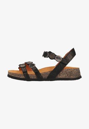Sandály na klínu - sz/kombi