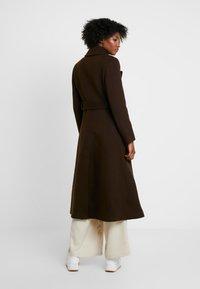 IVY & OAK - STATEMENT  - Zimní kabát - dark chocolate - 2