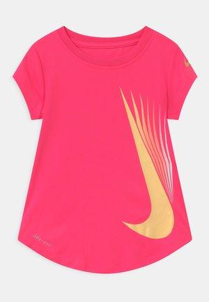 7 POINT - Print T-shirt - hyper pink