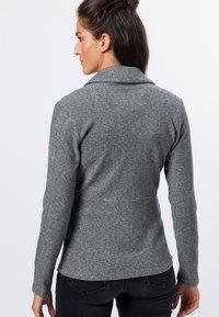 zero - MIT KNOPFVERSCHLUSS - Cardigan - silver grey-m - 2