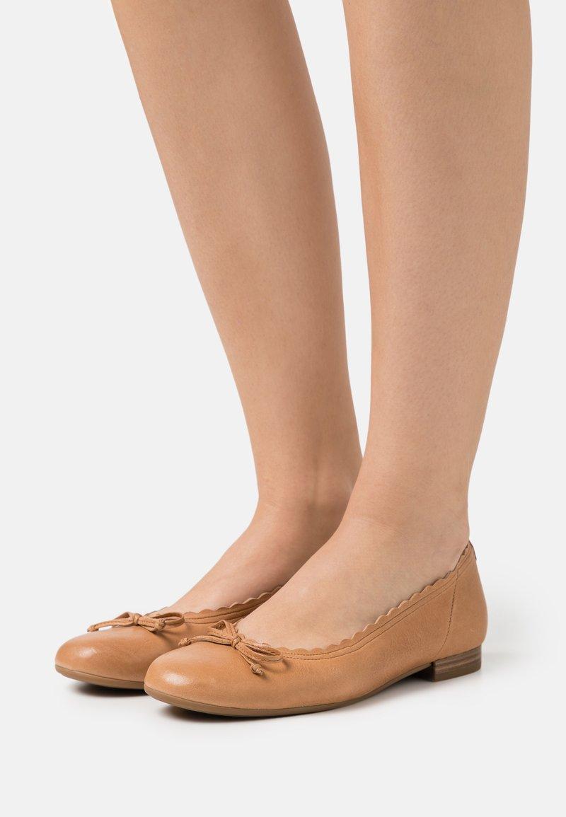 Gabor Comfort - Ballerina - cognac