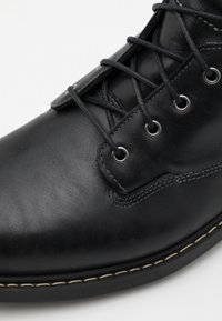 Timberland - BELANGER BOOT WP - Lace-up ankle boots - black - 5