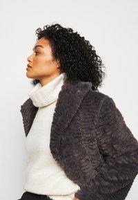 Dorothy Perkins Curve - LONG LINE COAT - Vinterfrakker - grey - 3