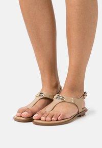 MICHAEL Michael Kors - PLATE THONG - T-bar sandals - camel - 0