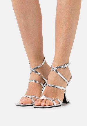 GRACE - Sandalias - silver