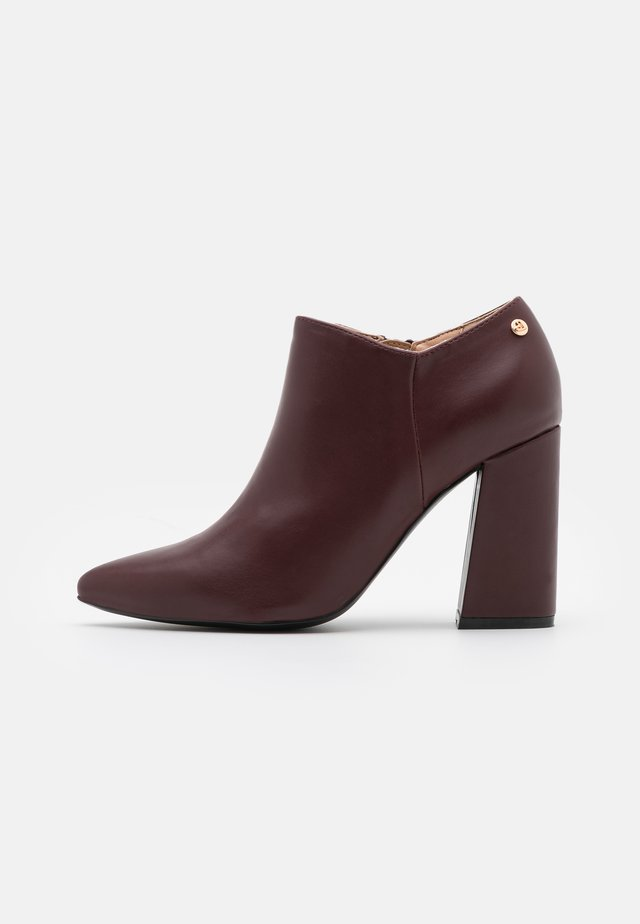 JOCELYNN - High heeled ankle boots - mulberry