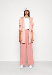Vero Moda - VMCHLOE LONG BOO - Short coat - misty rose - 1