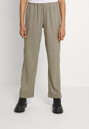 PYNNE - Trousers - cocoon