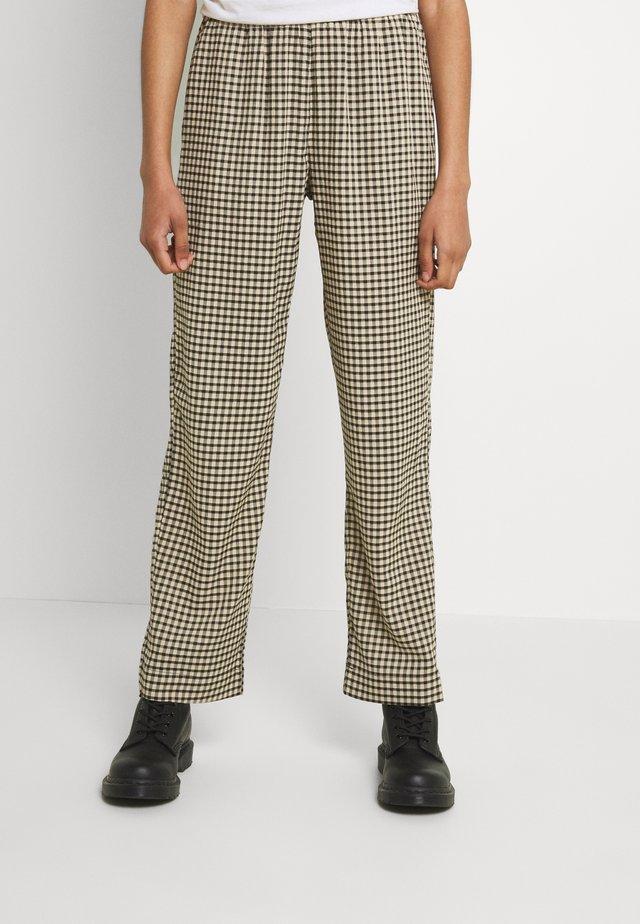 PYNNE - Pantaloni - cocoon