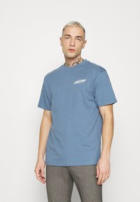 Santa Cruz - SLASHER UNISEX - Print T-shirt - dusty blue - 2