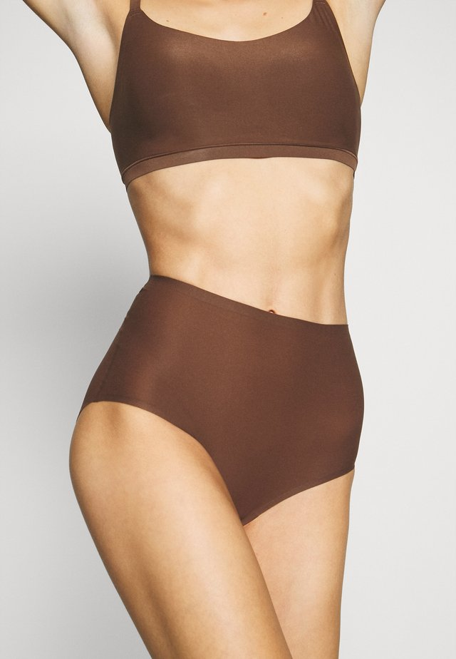 SOFT STRETCH - Slip - noyer
