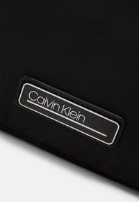 Calvin Klein - XBODY - Torba na ramię - black - 3