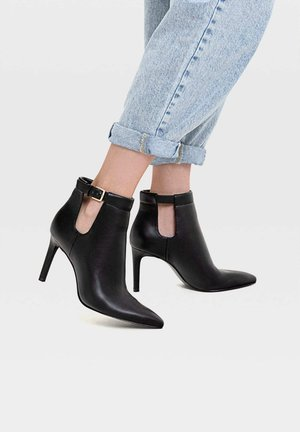 TACÓN FINO CUT OUT - High heeled ankle boots - black