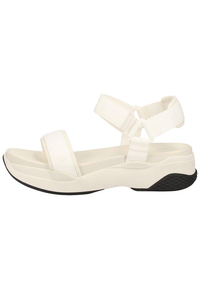 Sandały na platformie - white 1